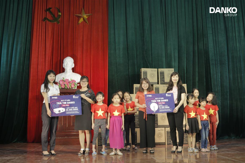 """Quỹ từ thiện """"Trái tim Danko"""" đến với trẻ em thiệt thòi tại tỉnh Thái Nguyên"""