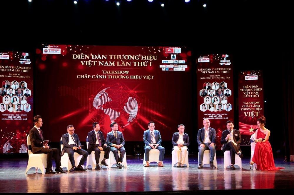 Danko Group ủng hộ Quỹ từ thiện trong Diễn đàn Thương hiệu Việt Nam lần thứ I