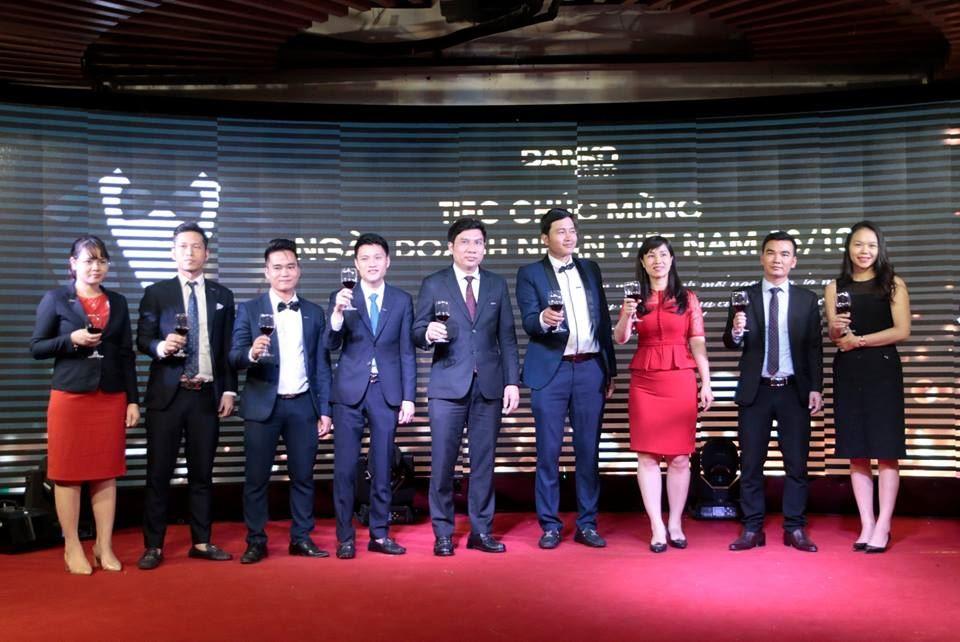 Tiệc chúc mừng ngày doanh nhân Việt Nam