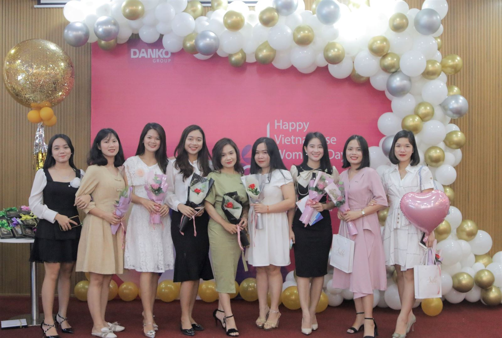 Xinh đẹp và rạng rỡ những bóng hồng của Danko Group ngày 20/10